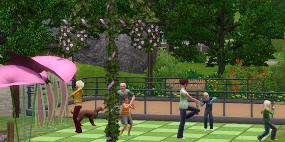 Sims beim Frühlingstanz auf dem Festgelände