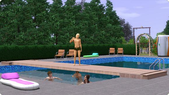flache Stege über Pools