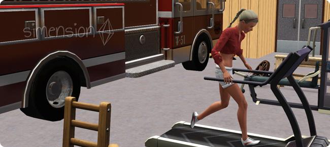 Feuerwehrfrau beim Aufbau der Fähigkeit Athletik
